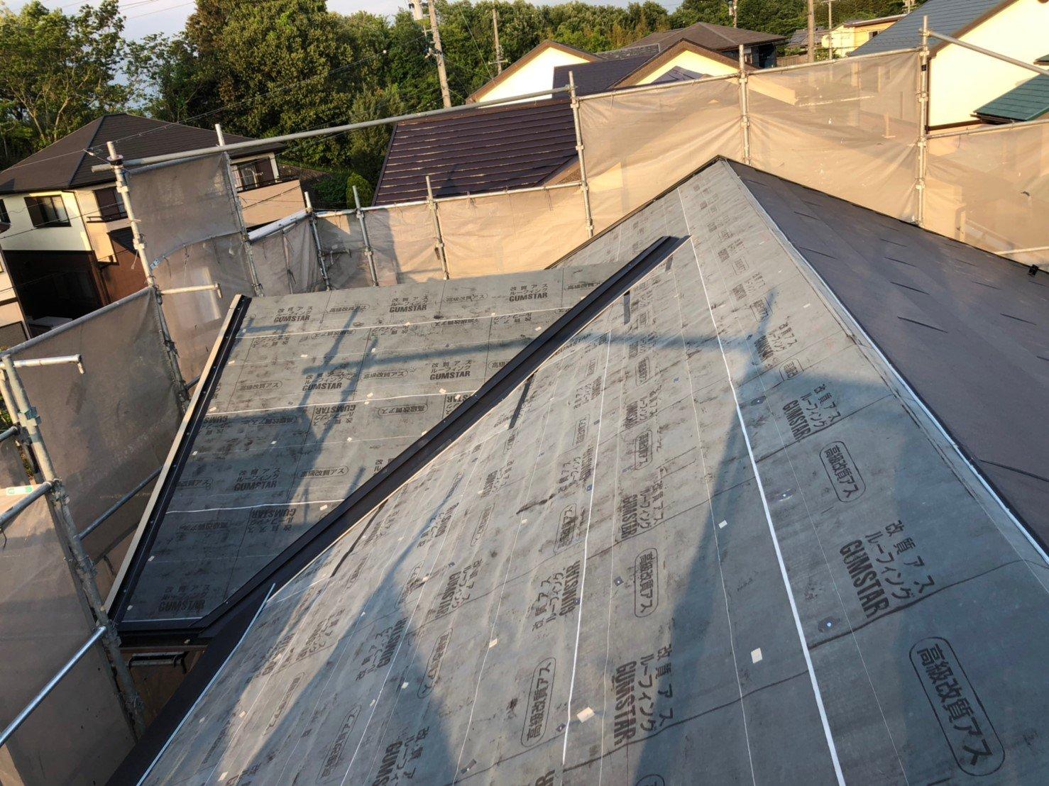屋根工事 ルーフィング(防水シート)敷き